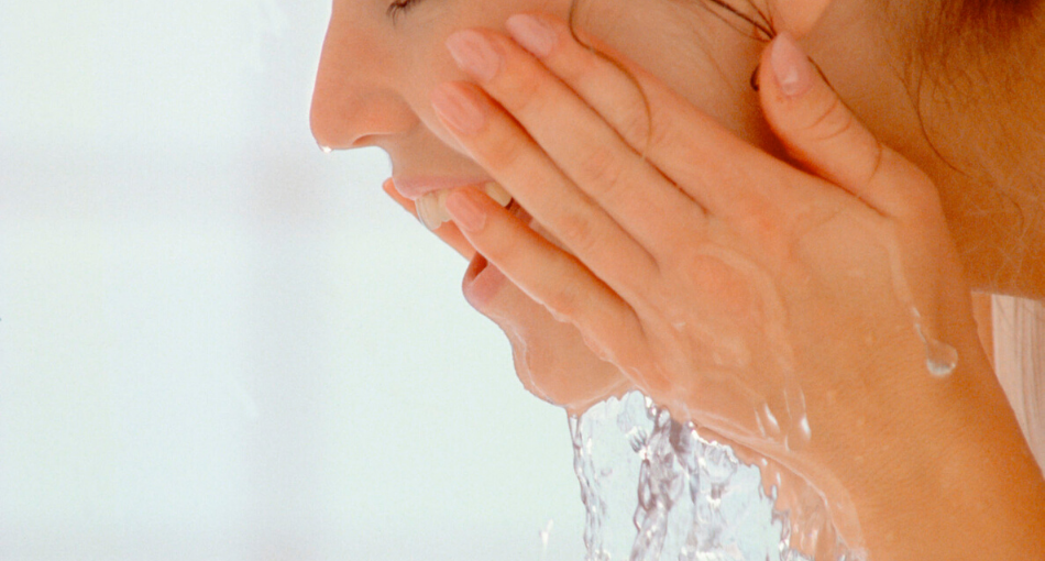 should your skin feel squeaky clean